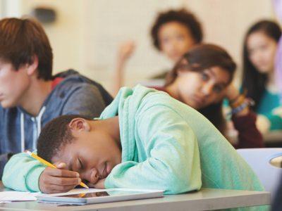 Slaapproblemen bij pubers/ adolescenten, gevolgen en oplossingen